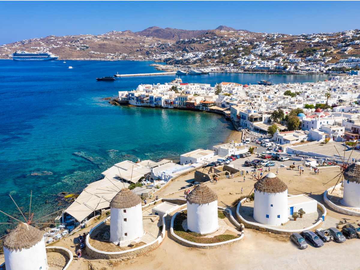 what-a-1-million-vacation-looks-like-in-mykonos-greece-where-youll-fly-in-on-a-private-jet-sleep-in-an-ocean-view-villa-and-cruise-the-seas-in-a-yacht